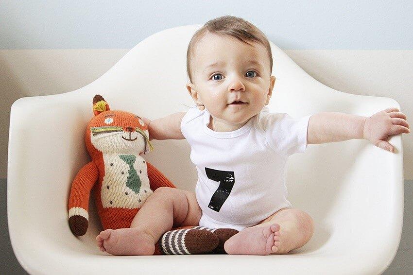 Что умеет ребенок в 7 месяцев