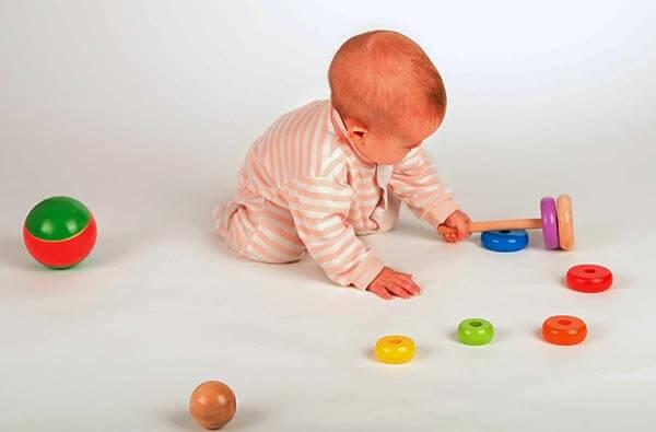 Какую игрушку выбрать в 7 месяцев