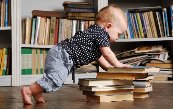 Интеллектуальное развитие малыша в 8 месяцев