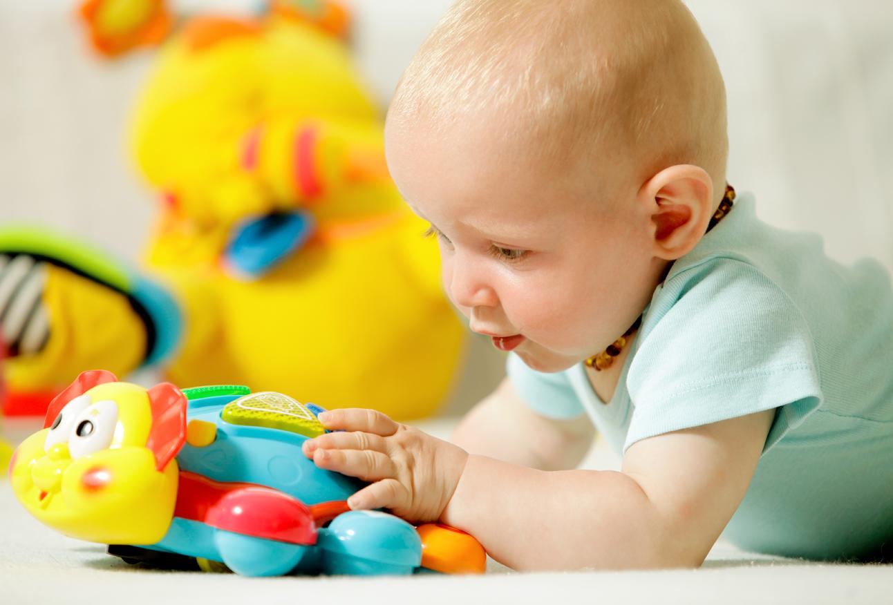 Игрушки для ребенка 10 месяцев
